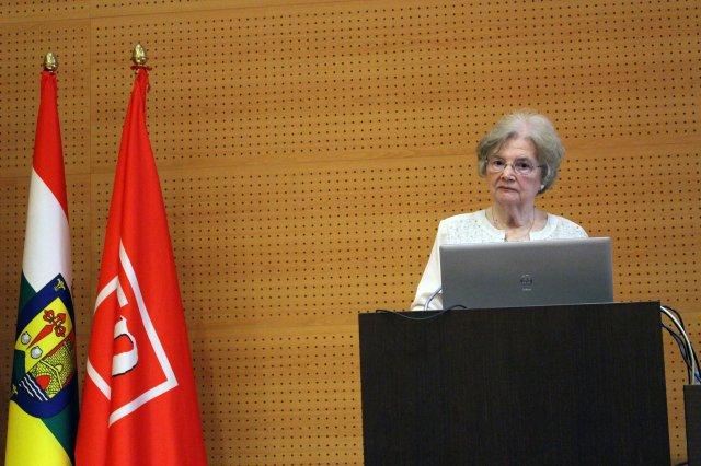 Dra. VanTassel Baska